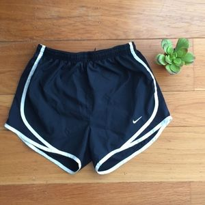 🌼Nike Women's Dri-Fit Shorts XS Black/White